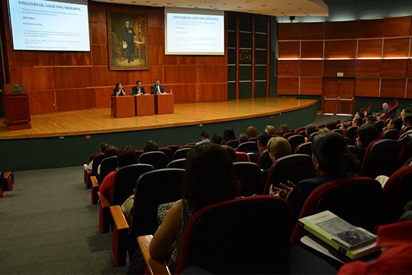 Se imparten cursos en materia de oralidad penal, familiar, mercantil, así como de justicia para adolescentes en segunda instancia.