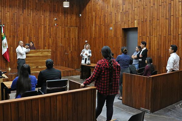Titulares de juzgados, salas y áreas administrativas brindan charlas informativas a los grupos visitantes