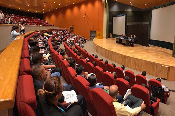 El especialista en argumentación jurídica Francisco Javier Ezquiaga Ganuzas impartió dos conferencias magistrales y un taller