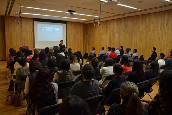 En evento académico la especialista enfatiza la necesidad de materializar la perspectiva de género en sede judicial