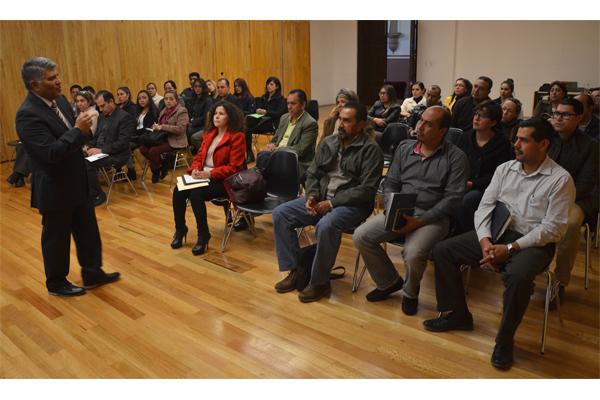 Personal administrativo amplía conocimientos para prestar un mejor servicio a la ciudadanía